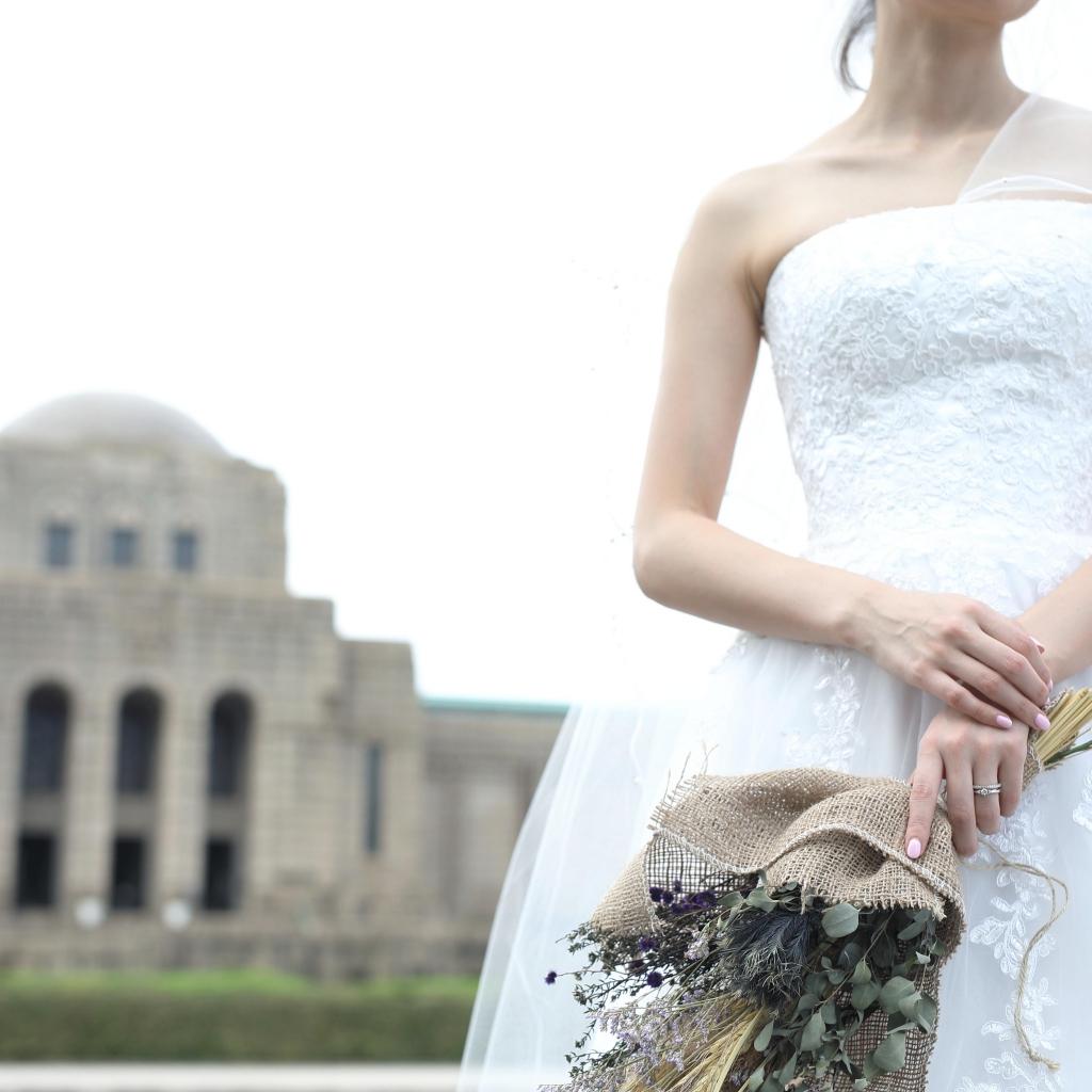 ドライフラワーと婚約指輪 結婚式のブーケ
