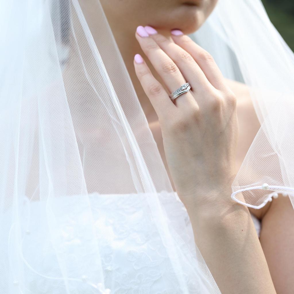 結婚指輪と婚約指輪の重ねづけ例01