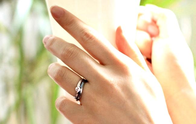 婚約指輪 重ね着け