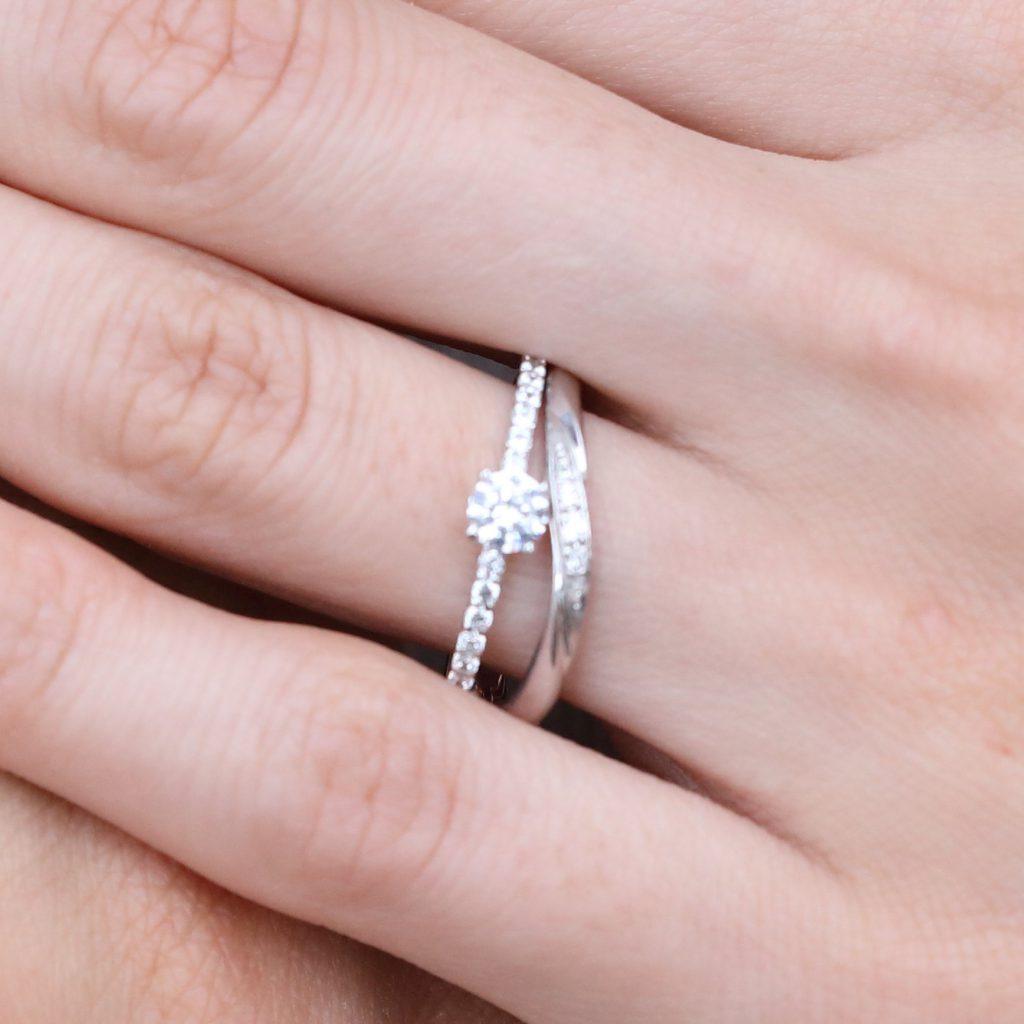 ダイヤモンドいっぱい ブランドみたいなリング