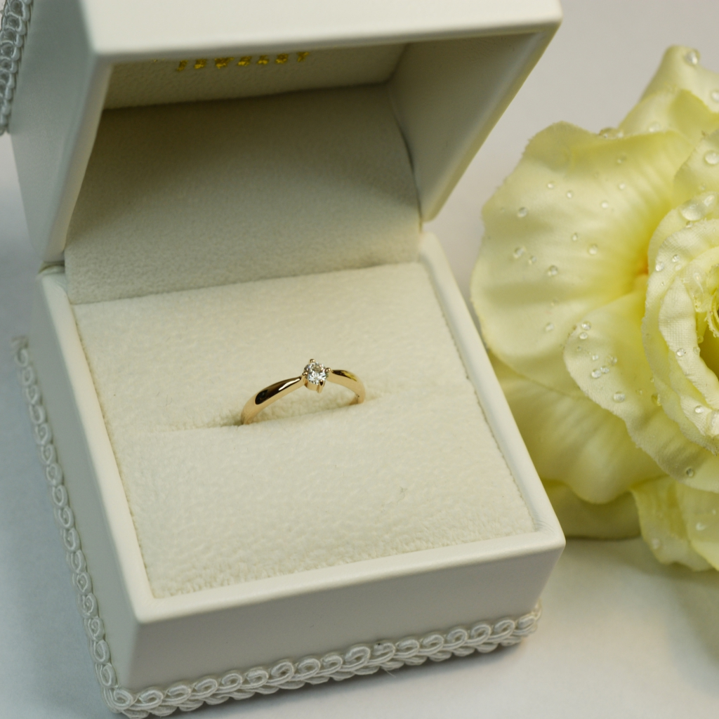 石川様サプライズ婚約指輪