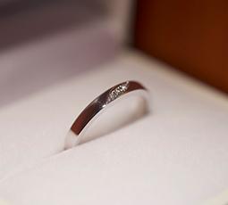 彫り留め(連続)の結婚指輪
