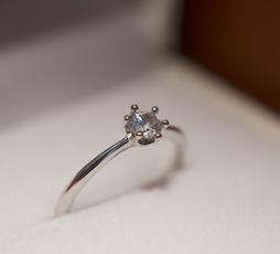 ミルククラウンの結婚指輪