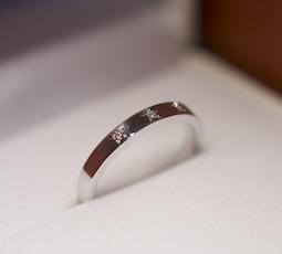 五光留めの結婚指輪