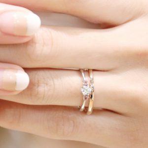 ピンクサファイアを入れた婚約指輪