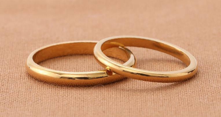 18金イエローゴールドの手作り結婚指輪