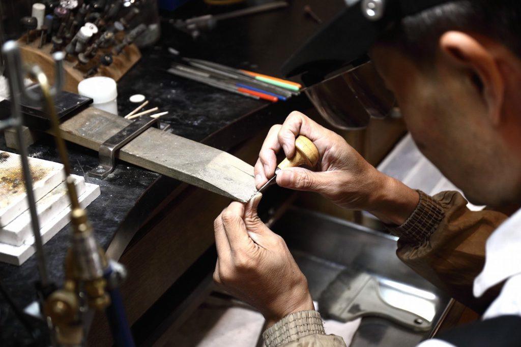 他店のブランドも修理ができる工房スミス