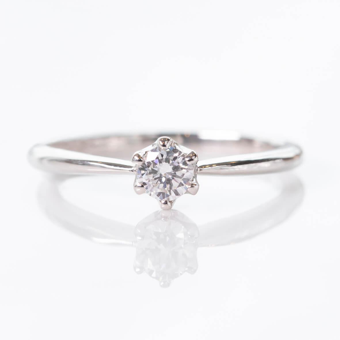 プラチナ・ダイヤモンドの手作り婚約指輪