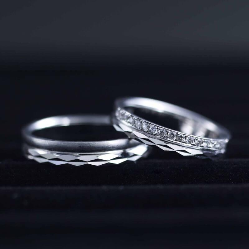 グリフォン:スパークルリング:結婚指輪