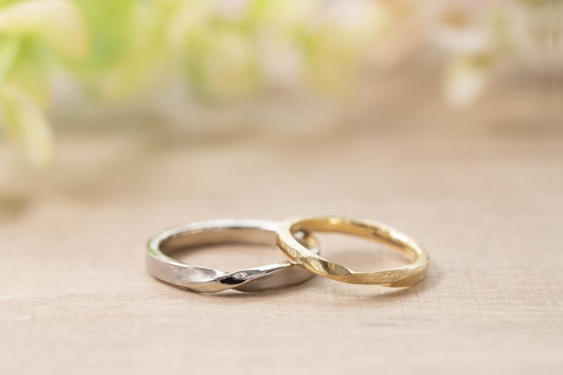 メビウス・スターダスト仕上げ・結婚指輪・工房スミス