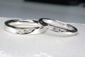 婚約指輪と結婚指輪、購入するときの違いは?