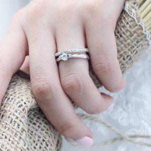 彼女の好みの指輪を知るためにできること