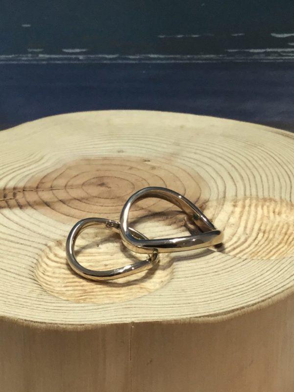 鎌倉の太陽の下できらめく指輪🌞💍