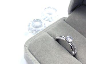 手作りの結婚指輪を販売!男性が気に入りそうなデザインや刻印とは?指輪選びのポイント